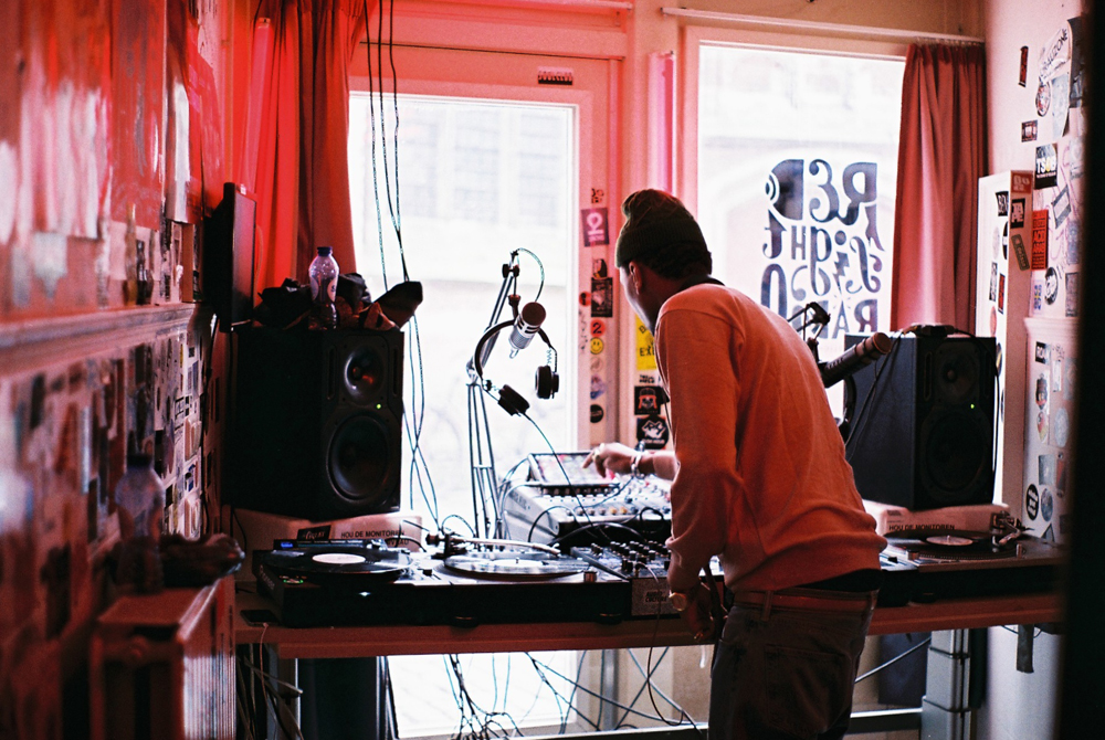 Red light Radio 1